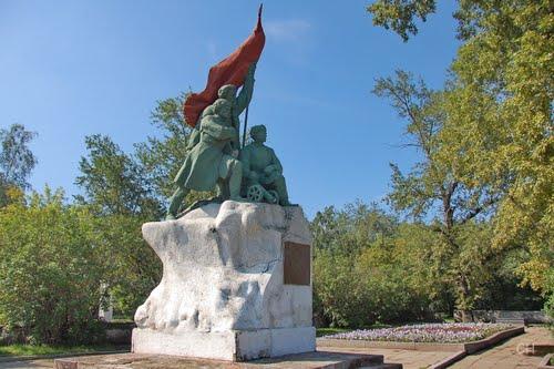 ВИркутске реставрируют монумент Борцам революции