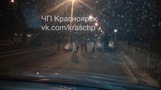 ВКрасноярске ищут водителя, сбившего школьницу напешеходном переходе