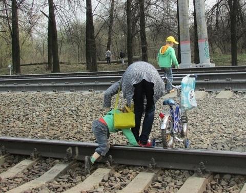 Братчанку отправили втюрьму запопавшую под поезд 3-летнюю дочь