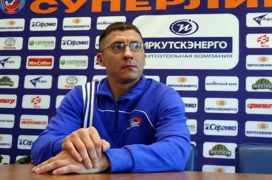 Главный тренерХК «Байкал-Энергия» иего помощник подали вотставку