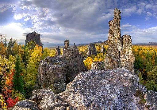 ВБашкирии двое туристов сорвались соскалы нагорном хребте