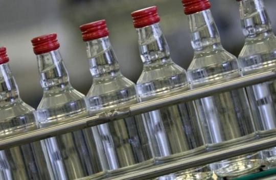 Неменее 1,5 тыс. литров контрафактного алкоголя изъяли наскладе вИркутске