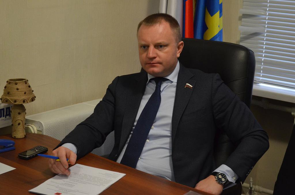 В государственной думе предлагают запретить снимать вкино актеров сантироссийскими взглядами