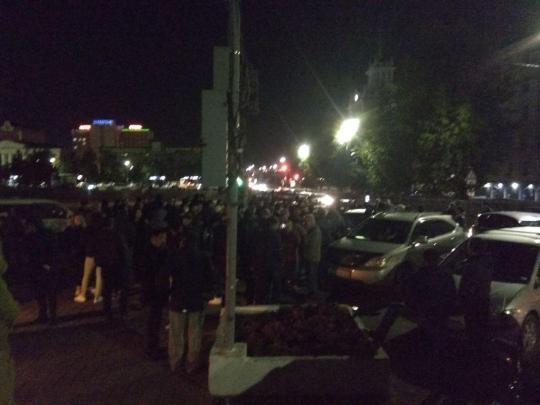 Стихийный митинг у здания правительства Бурятии. Онлайн Бабра